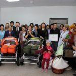 Мэрия Бишкека оказала материальную помощь семье, где родилась четверня