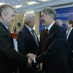 Экс-президент Атамбаев предложил пересмотреть дела Текебаева и Жапарова, попавших за решетку при его правлении