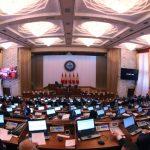 Кто из депутатов VI созыва вновь прошел в Жогорку Кенеш — 53 фамилии