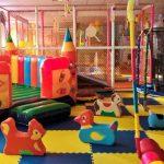 В Бишкеке с 1 апреля опять закрыли детские площадки
