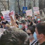 В Бишкеке прошел митинг в связи с убийством Айзады. Как это было